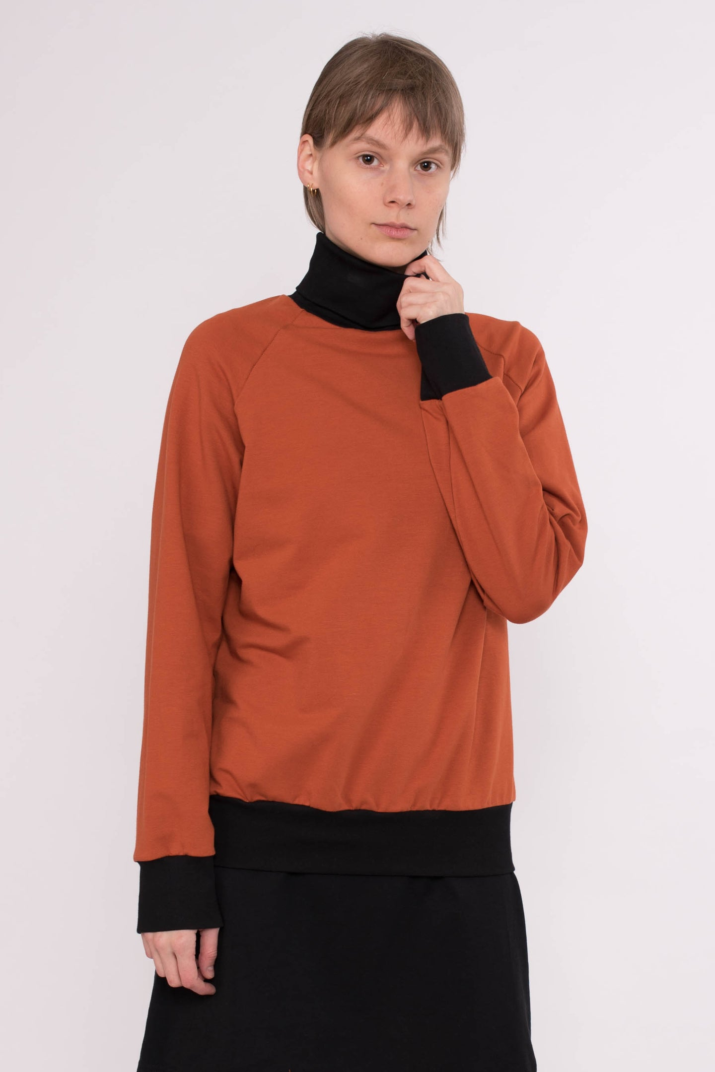 KOLO Berlin Sweater orange Streetwear gender neutral design urban wear kleidung online shop