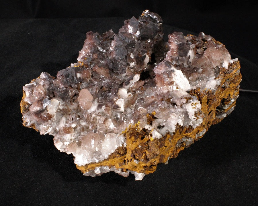 Calcite with Goethite inclusions & Hemimorphite