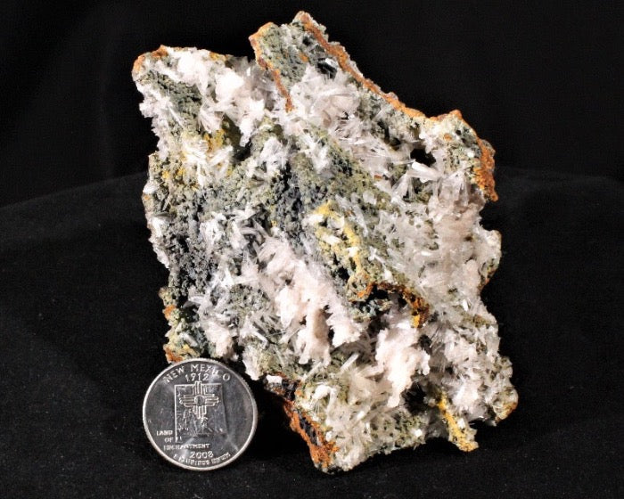 Hemimorphite on Mottramite