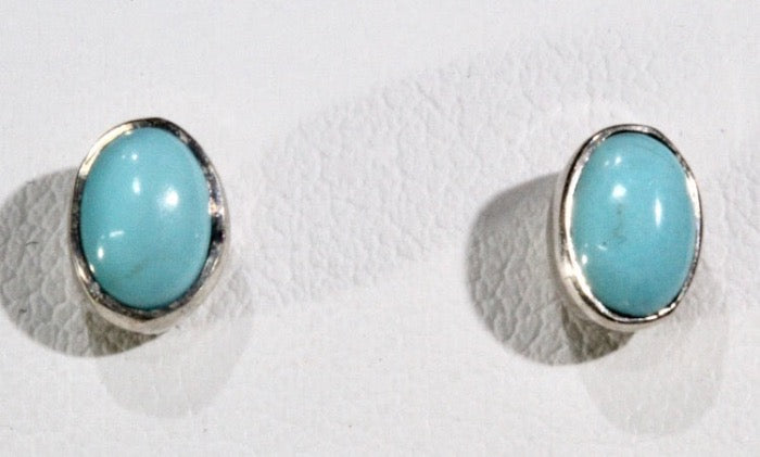 Turquoie stud earring - light blue (oval)
