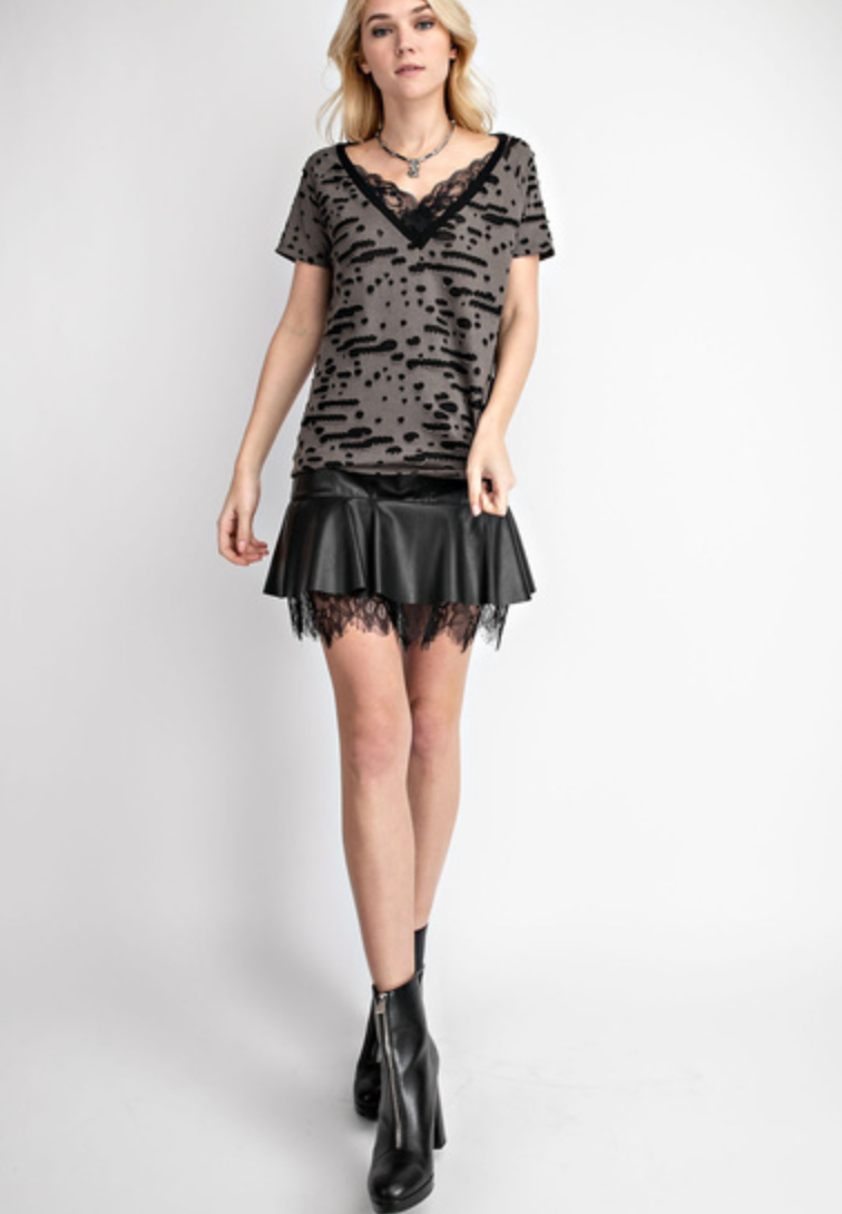 V-neck Short Sleeve with Lace Inlet