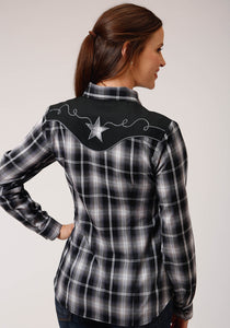 WOMENS BLACK AND WHITE PLAID LONG SLEEVE SNAP WESTERN SHIRT