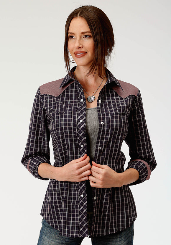 WOMENS BLUE AND RED PLAID LONG SLEEVE SNAP WESTERN SHIRT