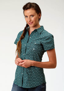 WOMENS GREEN FOULARD SHORT SLEEVE WESTERN SNAP SHIRT
