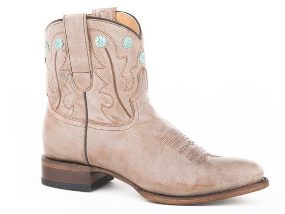 WOMENS FASHION SHORTY BOOT ALL OVER TAN WITH CONCHOS ON CROWN