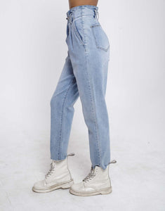 High Waisted Pleated 80s Jeans