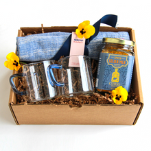 Load image into Gallery viewer, AM + Curio Spice Co. Spring Gift Box