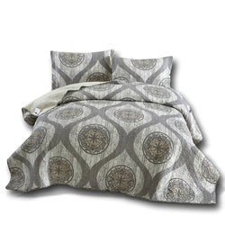 DaDa Bedding Classical Grey Mosaic Medallion Reversible Quilted Coverlet Bedspread Set (SD16299)