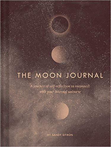 The Moon Journal: A journey of self-reflection through the astrological year