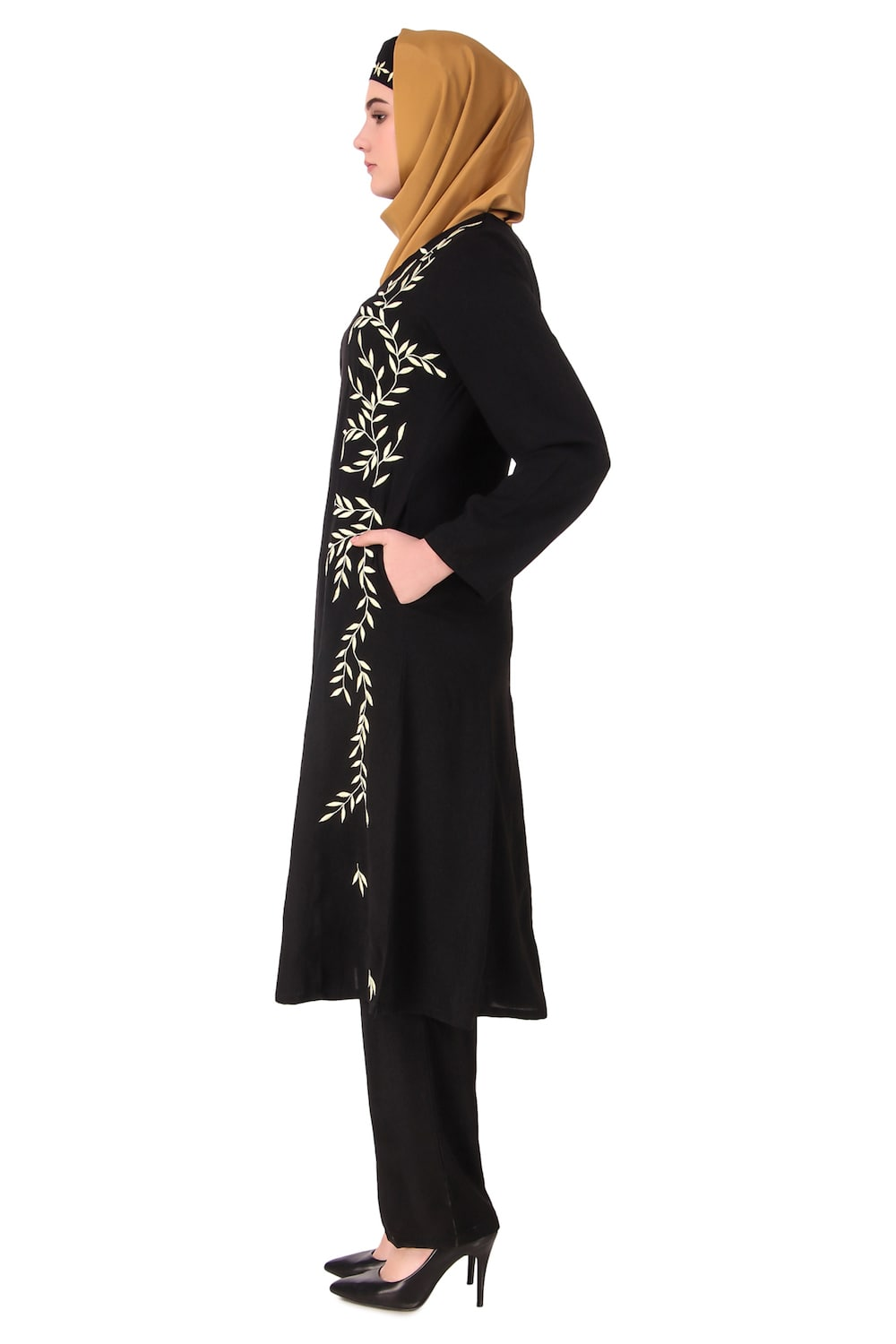 Black Nida Leaf Embroidered Salwar Kameez