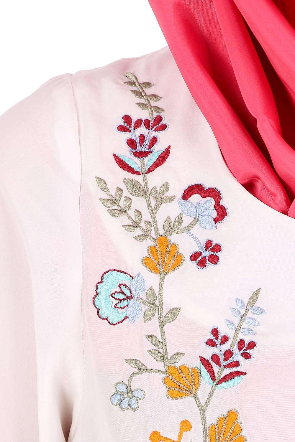 Colorful Embroidered Bell Sleeve White Abaya Embroidery
