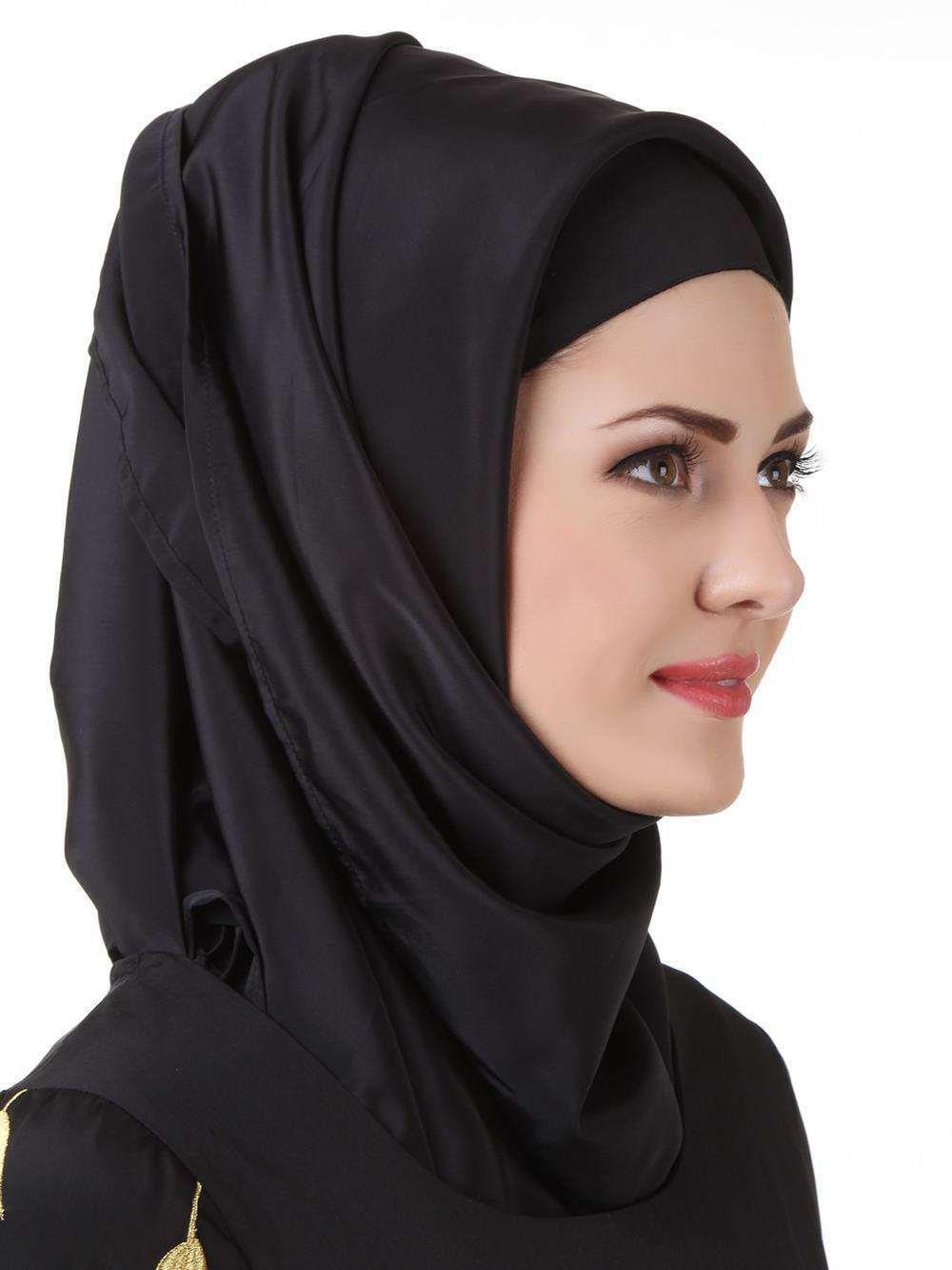 Naureen Black Nida Hijab