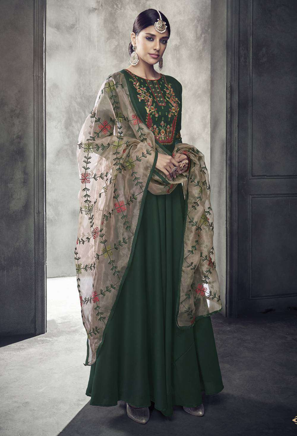 Green Pure Muslin Silk Party Wear On Neck Embroidered Salwar Kameez MYSK-1717