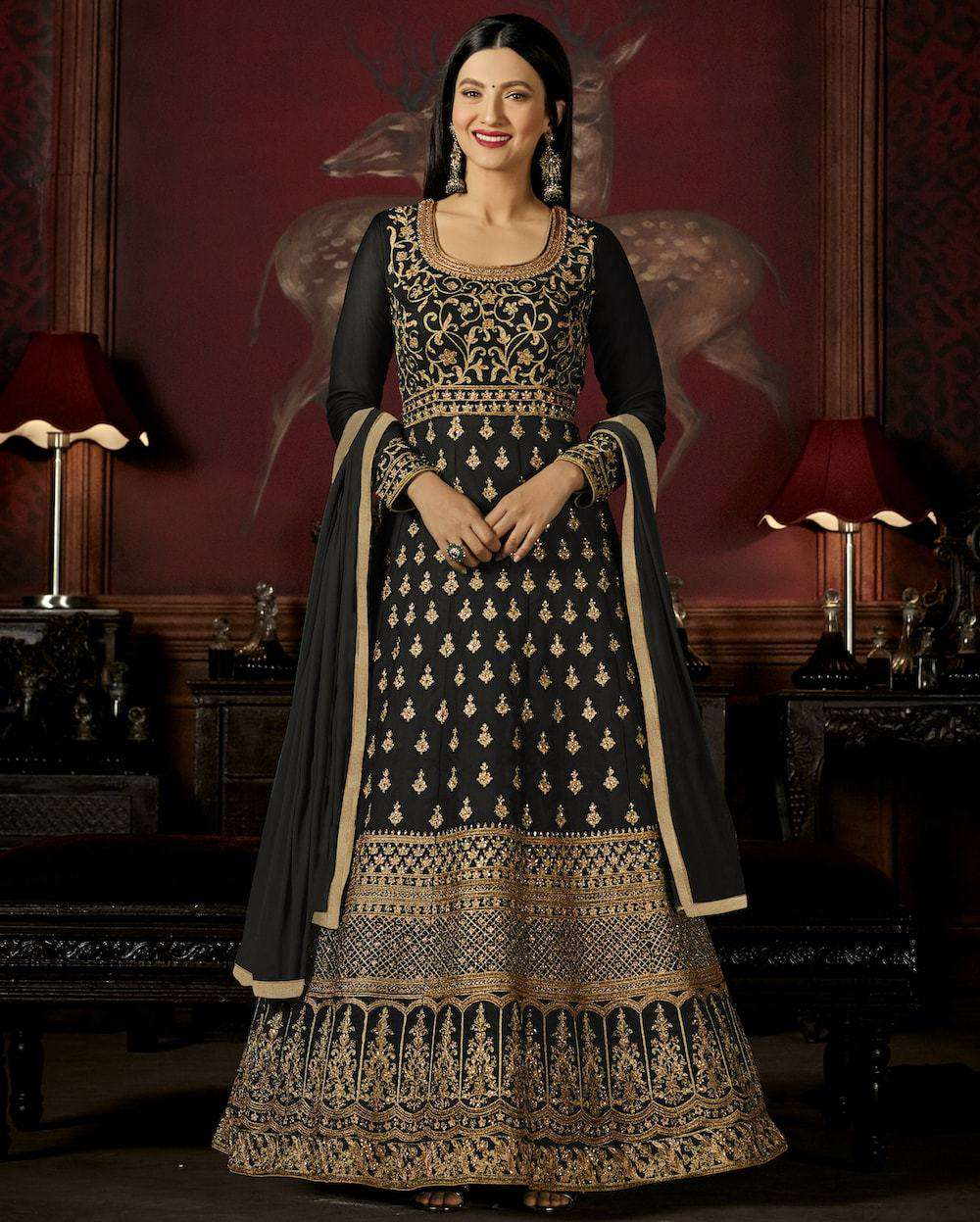 Graceful Black Georgette with Heavy Embroidery Work Salwar Kameez MYSK-916