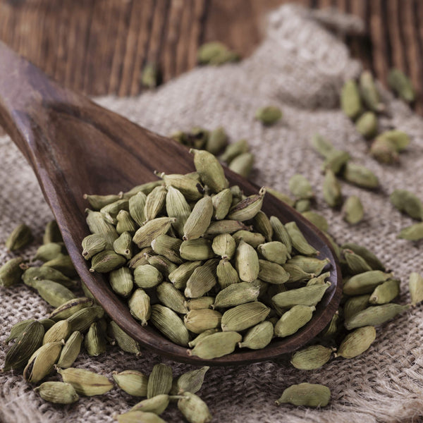 Cinnamon Tree Organics Green cardamom pods