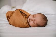 POP YA TOT Cotton swaddle (RUSTED MUSTARD)