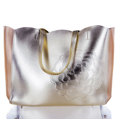 White Diamonds by Elizabeth Taylor Gold Tote Bag With Shoulder Strap