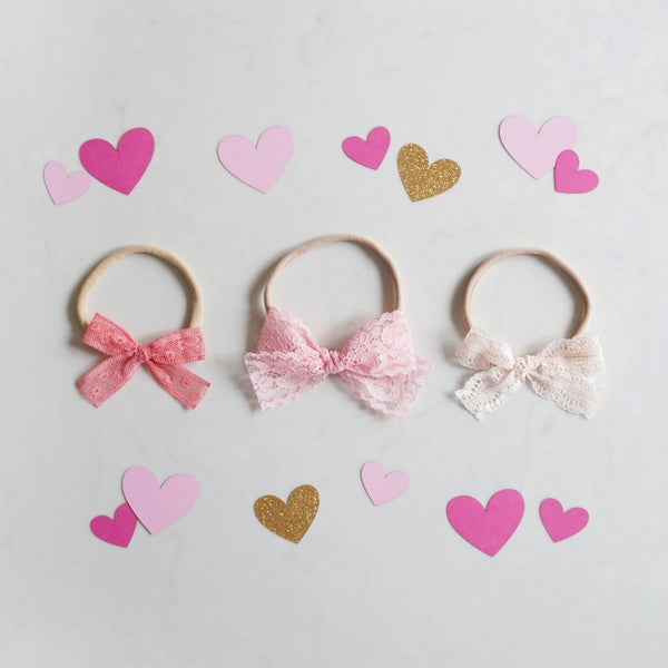 Valentine's Lace Bow Set: Be Mine