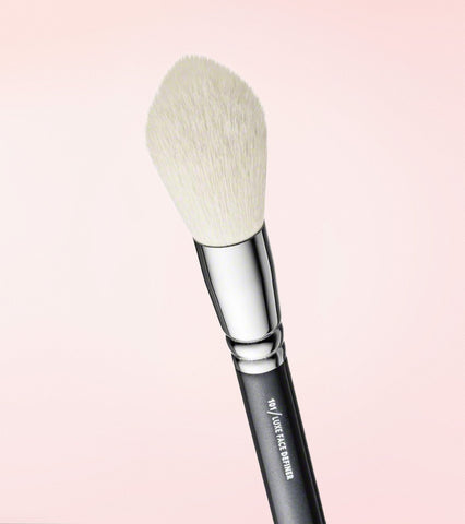 101 Luxe Face Definer Brush