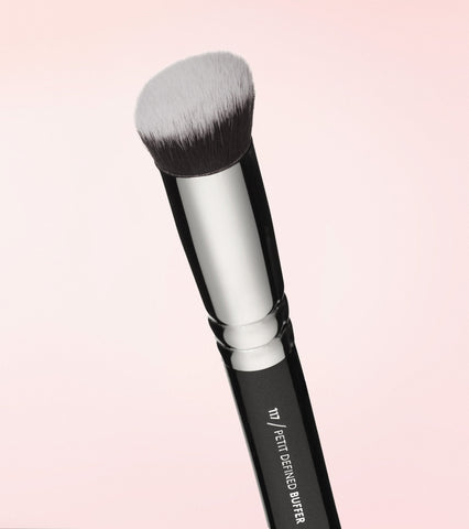 117 Petit Defined Buffer Brush