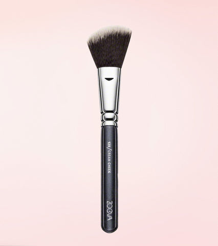 128 Cream Cheek Brush