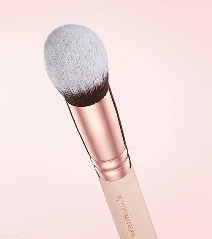 135 PETIT FACE DEFINER BRUSH (ROSE GOLDEN VOL. 2)