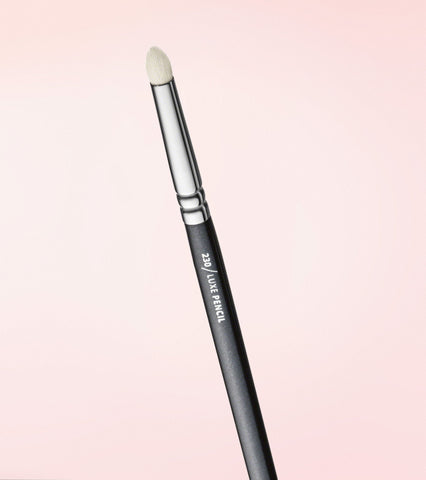 230 Luxe Pencil Brush