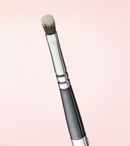 330 Lip Contour Brush
