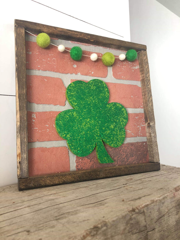 Craft Kit of the Month: Shamrock- Monthly Brick Sign