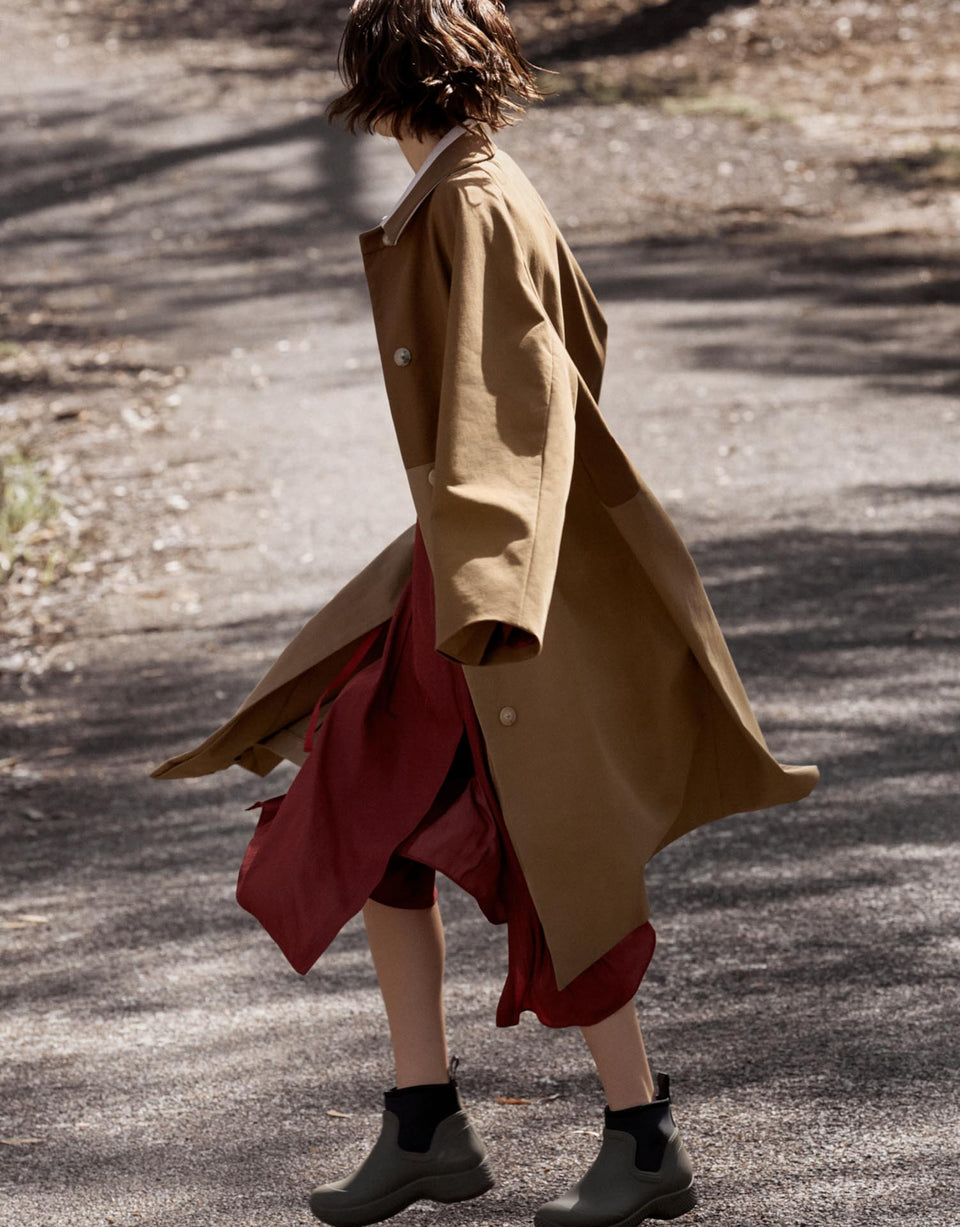 CARL KAPP AW2019 collection in Sydney Australia | Theia Onesize Fits All Trench Coat