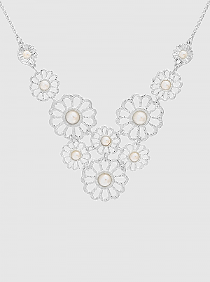 Silver Textured Metal Flower Link With Pearl Necklace
