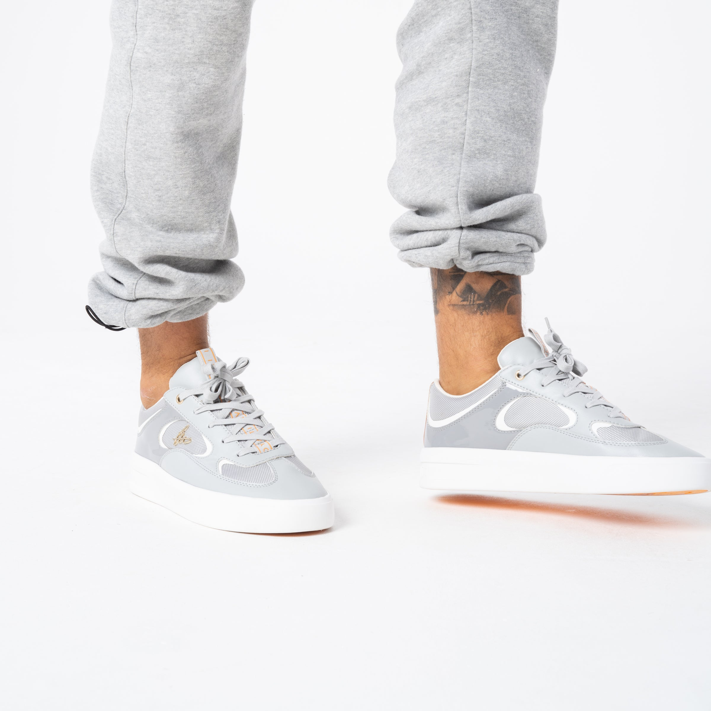 Ritual Trainer - Grey / White / Orange