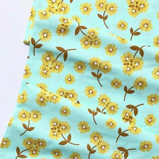 Butterscotch - Scattered Daisies in Mint - The Village Haberdashery