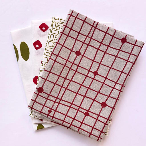 Colette Moscrop Fat Quarter Bundle - Red & Green - The Village Haberdashery
