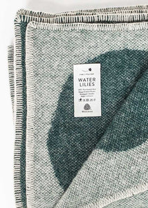 WATER LILIES WOOL BLANKET, GREEN