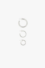 Load image into Gallery viewer, MEDIUM HOOP EARRING | SILVER | WILDTHINGS