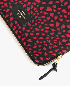 IPAD SLEEVE BLACK HEARTS | WOUF