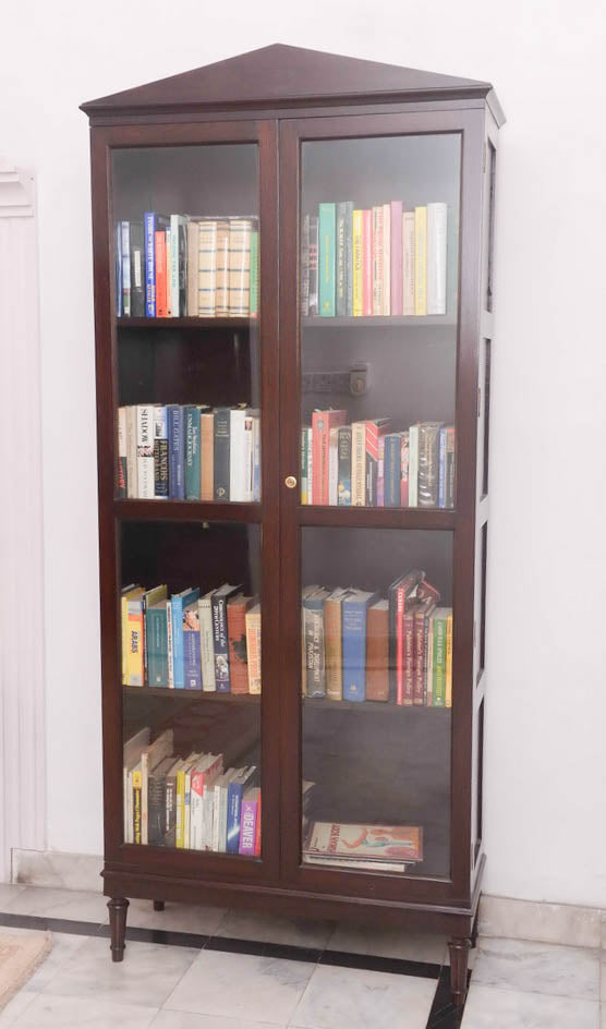 English Book Shelf