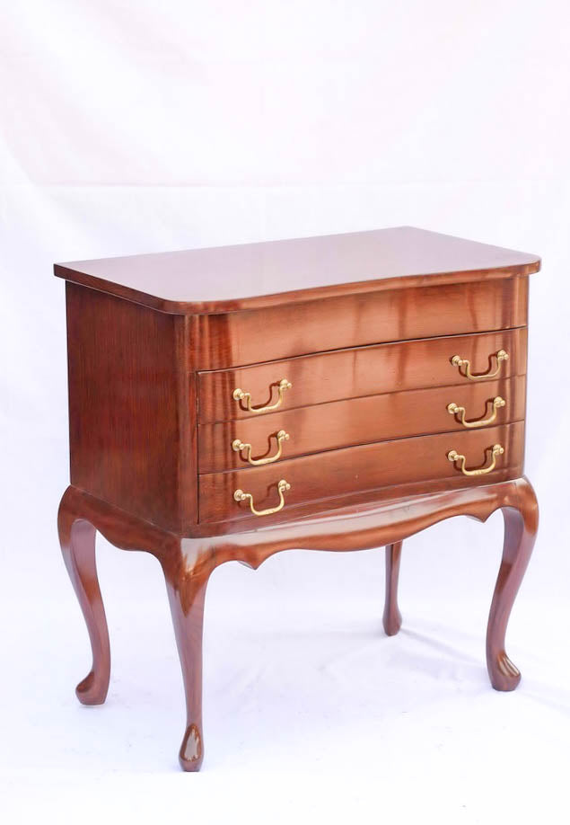 Queen Anne Chest of Drawers