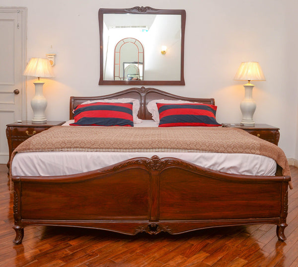 Queen Anne Sled Bed with Side Tables
