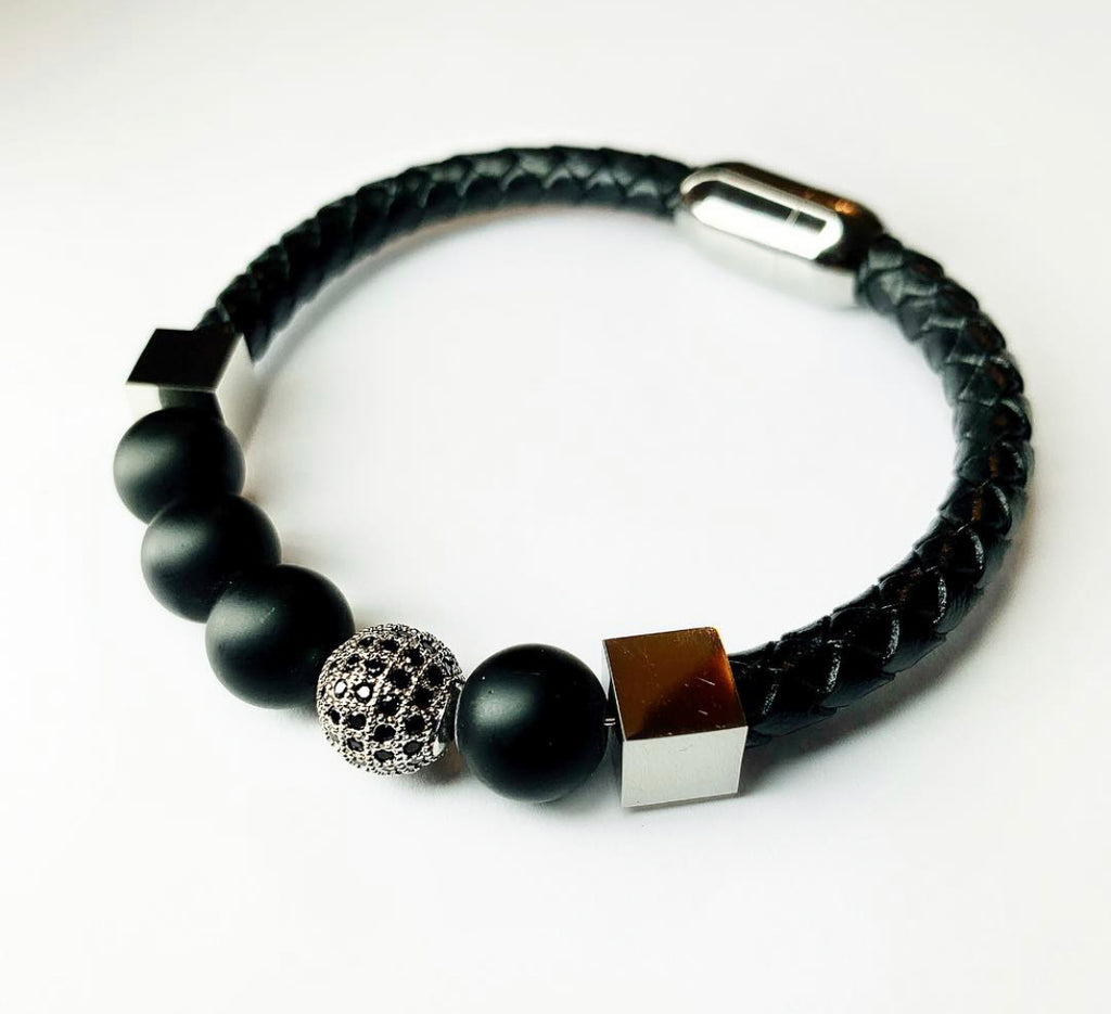 Eight-ball bracelet
