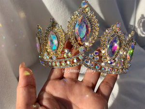 Bella crown