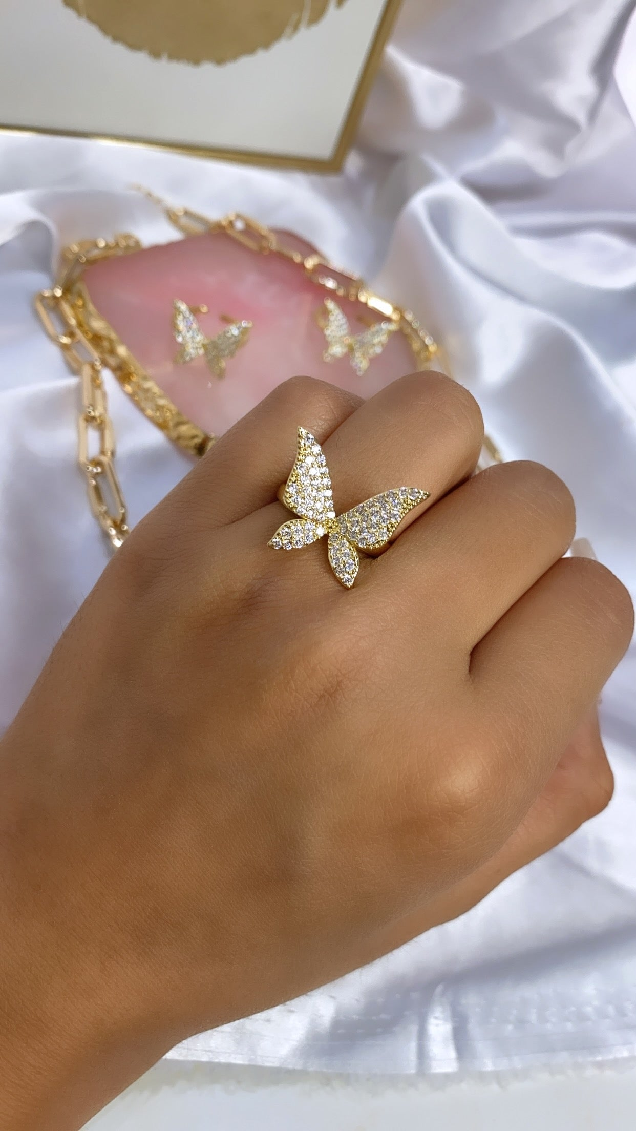 Butterfly ring 4