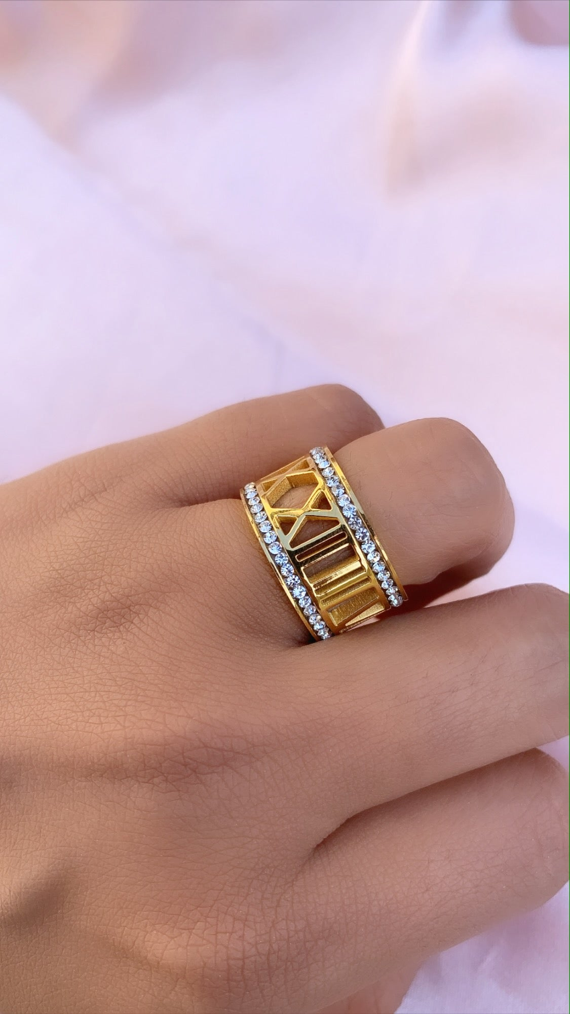 Numeral ring 4