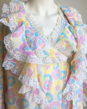 Load image into Gallery viewer, Amazing 1960's vintage peignoir set. S
