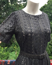 Load image into Gallery viewer, 1950s Cotton Eyelet Dress. Size 2-4
