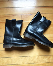 Load image into Gallery viewer, 1970s Deadstock Dr Martens Mens Pull on Boots. 7 1/2