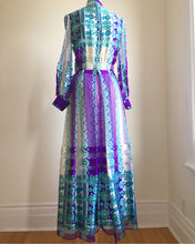 Load image into Gallery viewer, Absolutely Incredible Silk Couture 1970s Dress. S