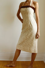 Load image into Gallery viewer, 1950s Cream Lace Wiggle Dress. Size 4-6