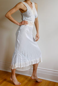 1930s Pale Blue nightgown. Size 4-6.